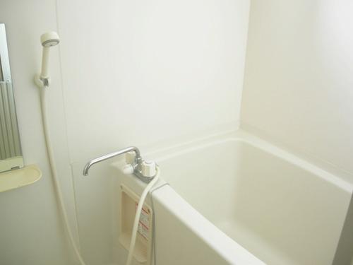 浴室も窓付き!